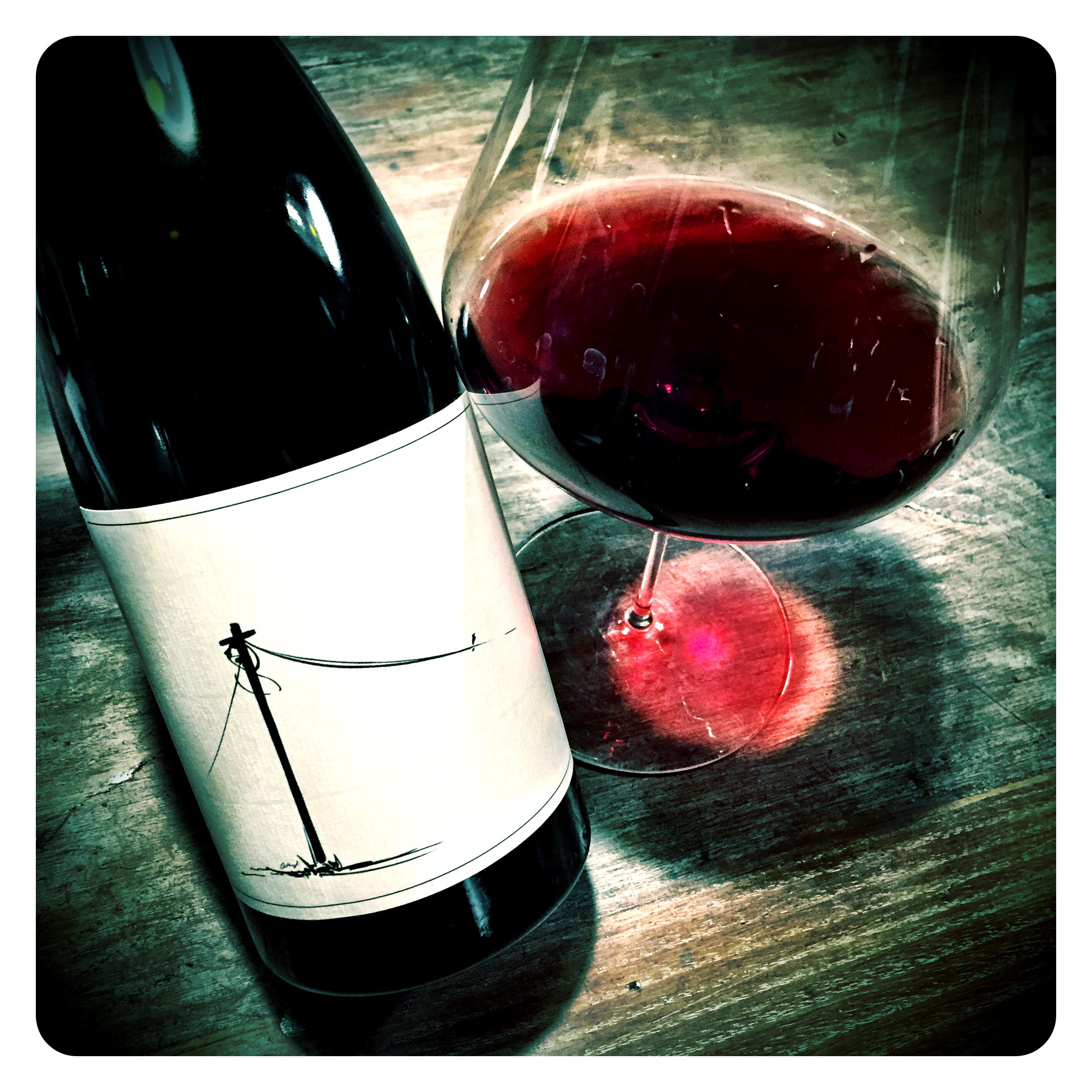 The 2014 Was The Maiden Release Of The Tantalising Follow The Line Red A Blend Of 58 Cinsaut From Darling 21 Grenache From Piekenierskloof